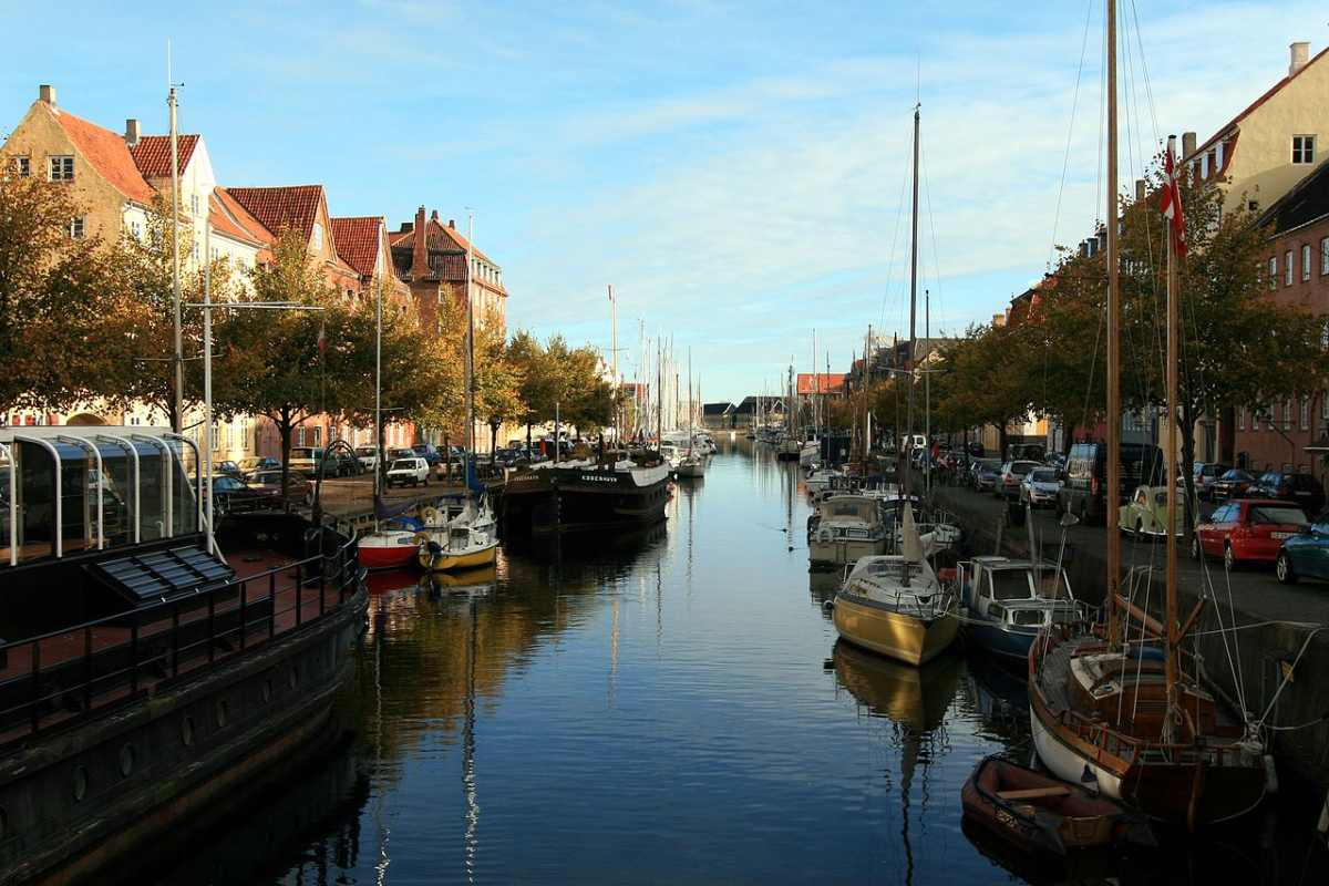 neighborhoods in copenhagen christianshavn