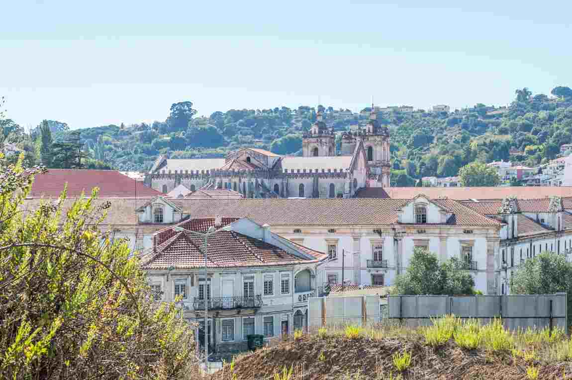 2 weeks in portugal itinerary road trip alcobaca monastery