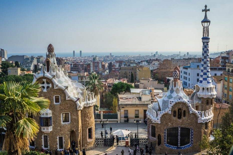 Self guided walking tour exploring the best Gaudi buildings in Barcelona and other exquisite examples of Catalan Modernism.