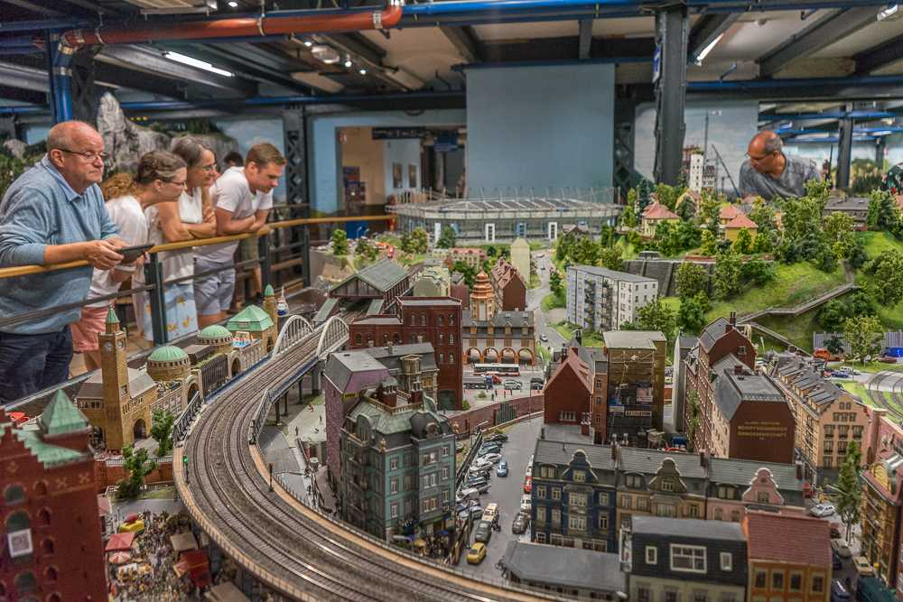 The Miniaturwunderland in Hamburg can be done on the cheap if you come late in the evening.
