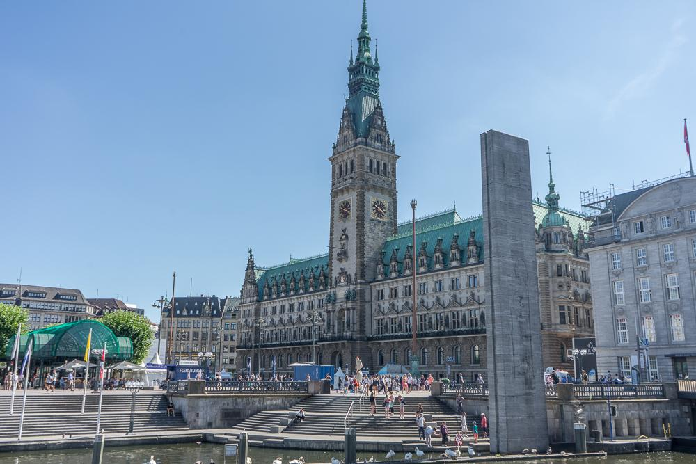 You can't spend a weekend in Hamburg without stopping by Hamburg's impressive city hall.