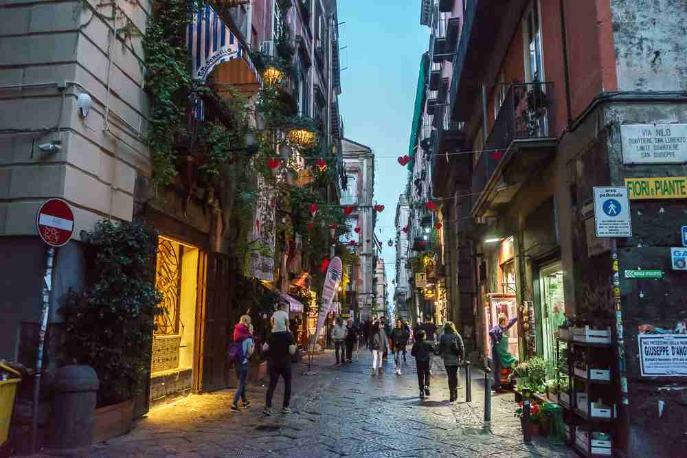 You have to explore the old town during your one day in Naples!