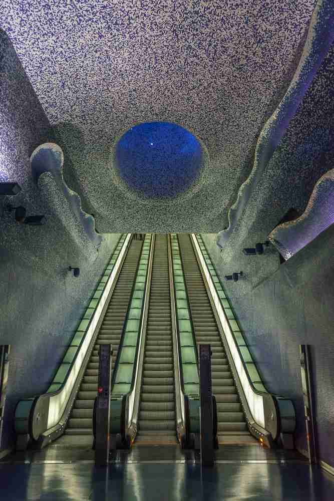Whether you are using public transport or not, don't miss the Toledo metro station during your day in Naples!