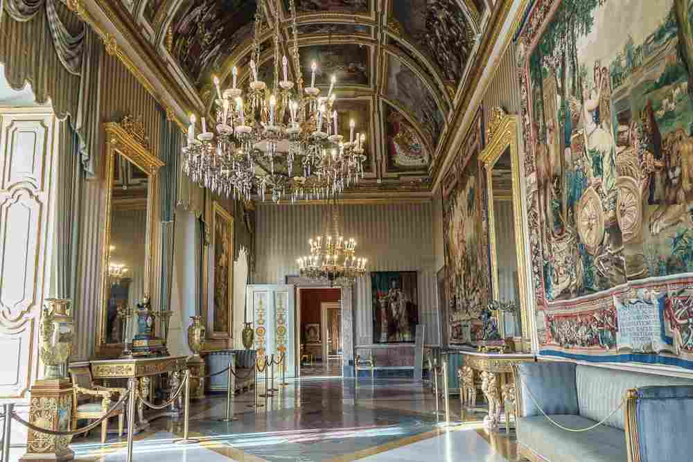 The opulent rooms of the royal palace are certainly some of the best things to see in Naples in a day.