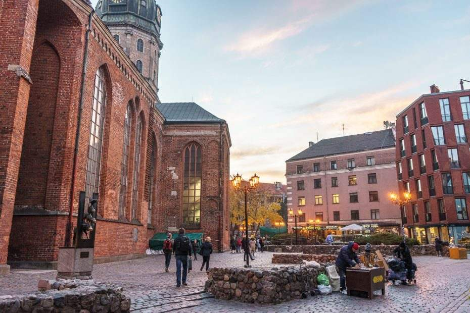 There are plenty of things to do in Riga any time of the year, whether you love shopping, art, or food!