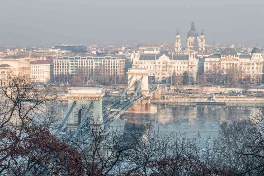 Budapest sightseeing: The famous Szechenyi Chain Bridge is one of the must-see attractions when spending 24 hours in Budapest.