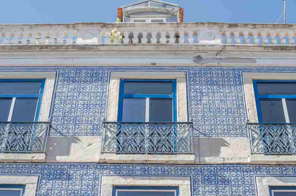 Alfama is one of the best areas to take photos during your 24 hours in Lisbon.