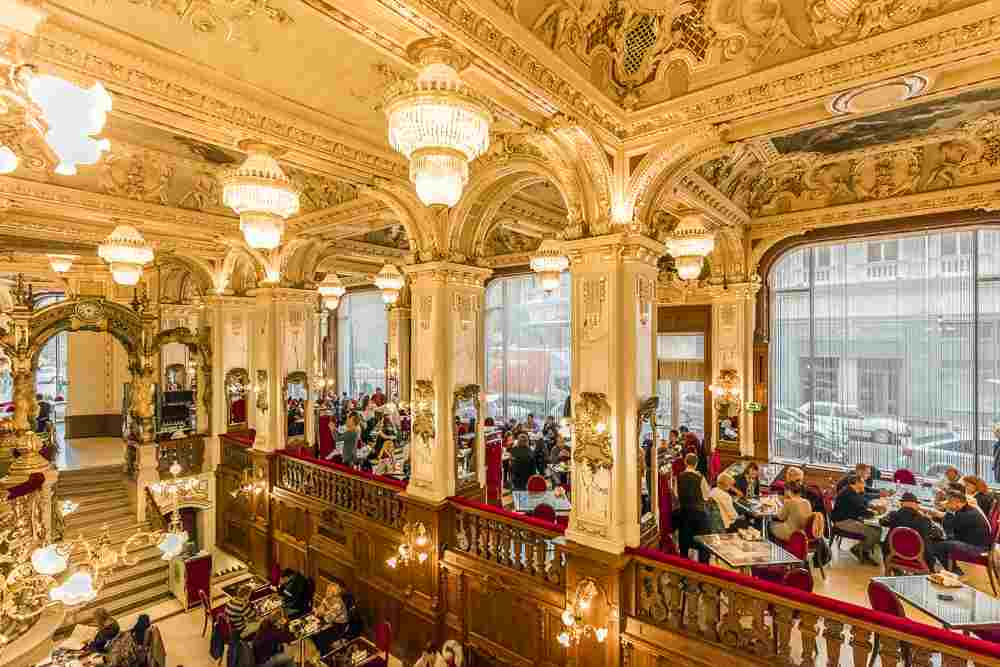 Have a breakfast at least once at the regal New York Cafe when spending 2 days in Budapest. C: posztos/shutterstock.com