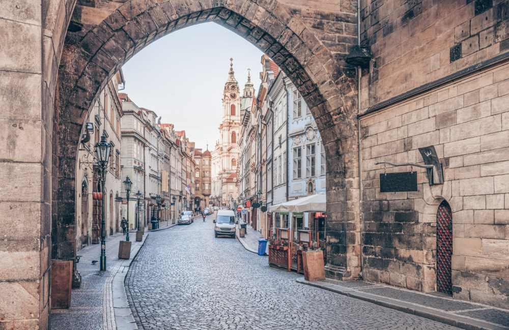 One Day in Prague: Cobblestone street in the Lesser Quarter