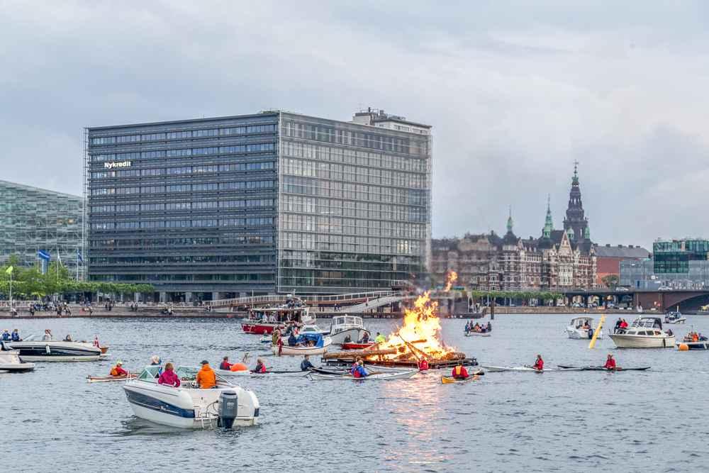 Make sure to attend one of the Sankt Hans bonfires in Copenhagen in June! C: Oliver Foerstner / Shutterstock.com