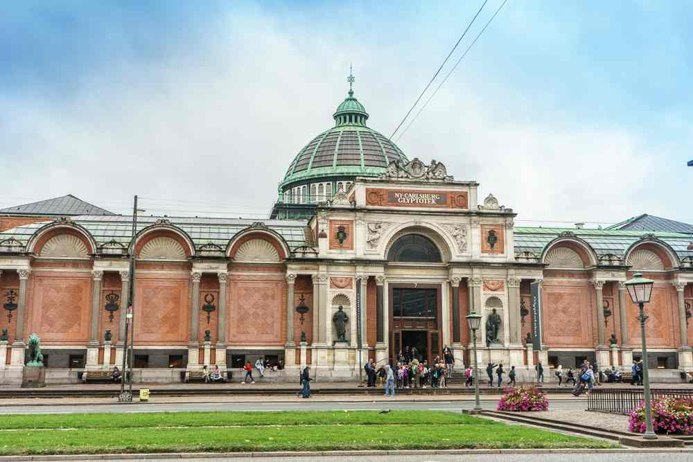 On this Copenhagen walking tour you will see many impressive buildings such as the Glyptotek.