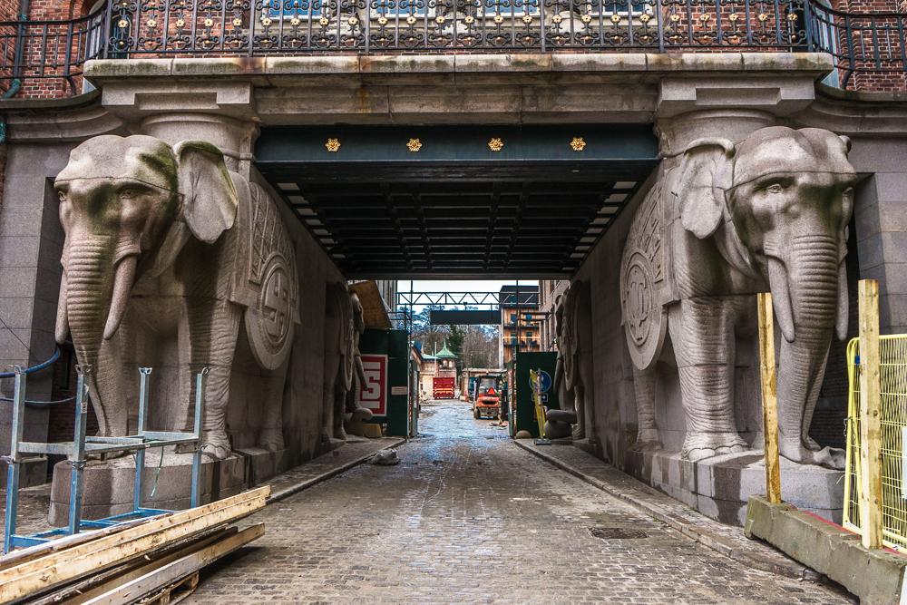 Das Elefantentor ist eine ungewöhnliche Sehenswürdigkeit in Kopenhagen.