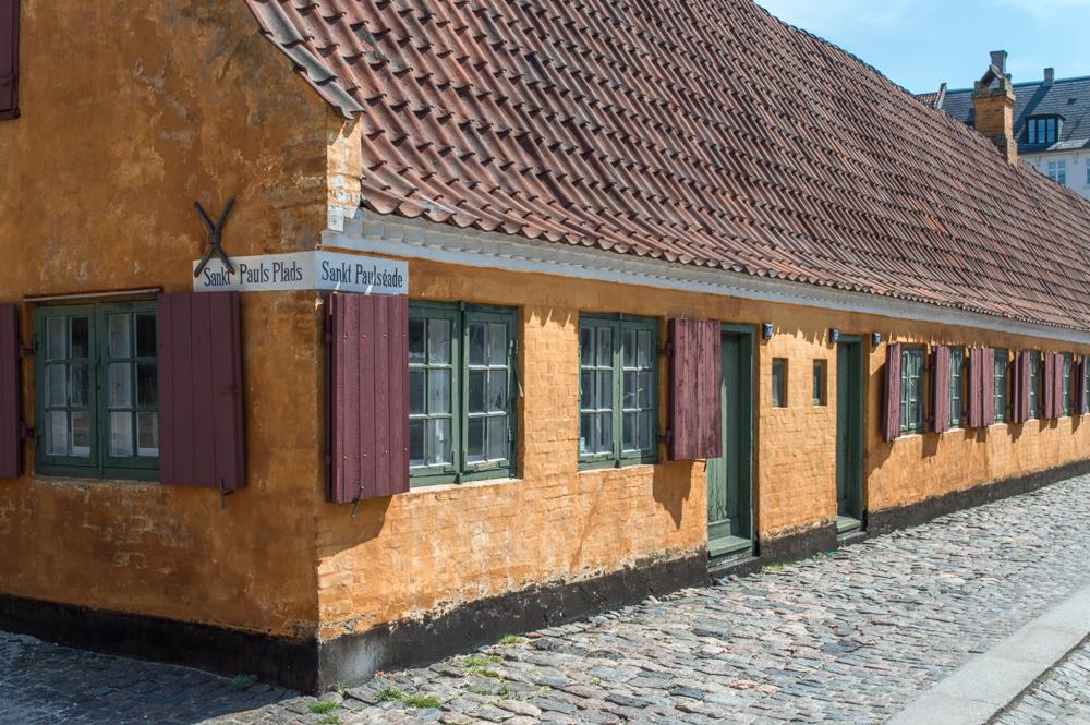 Die Nyboder sind eine eher ungewöhnliche Sehenswürdigkeit in Kopenhagen.