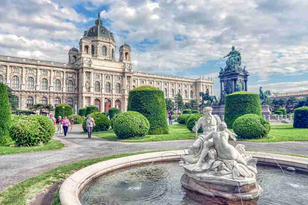 On Maria Theresien Platz you will find two of Vienna's best museums. C: Shutterstock.com