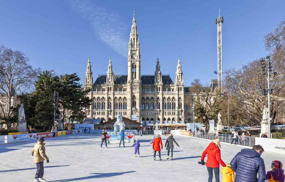 Plan in a little more time for this first stop on your walking tour of Vienna. C: creativemarc / Shutterstock.com