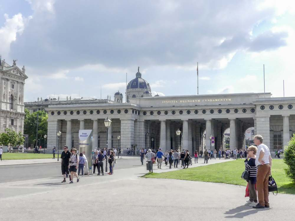 Heldenplatz is a must-see on any Vienna walking tour. C: Shutterstock.com