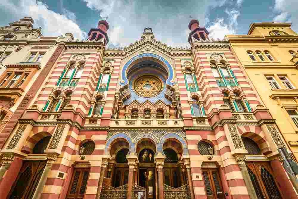 The facade of the Jubilee Synagogue is one of the best things to see when spending two days in Prague