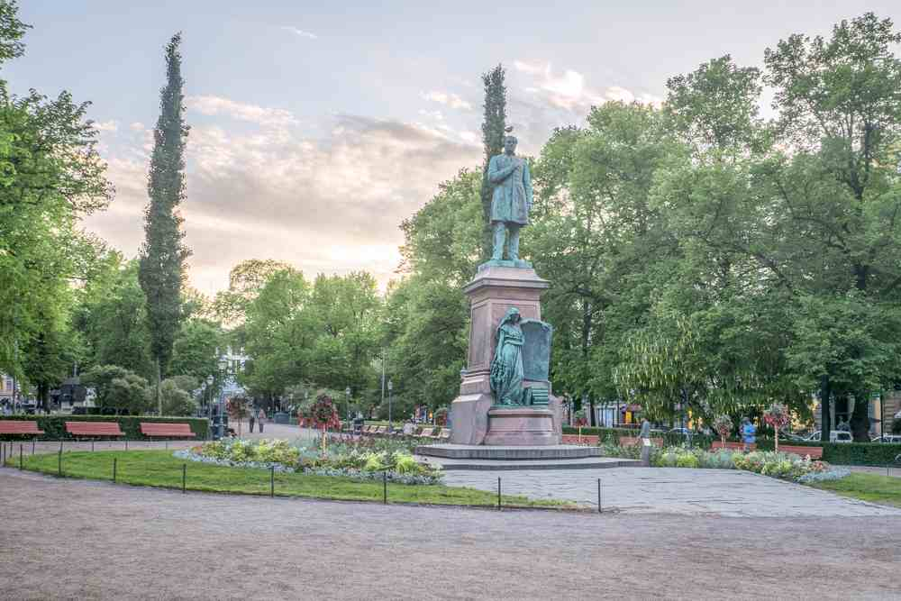 The famous Esplanadi Park is one of the must-see sights on this free self-guided Helsinki walking tour.