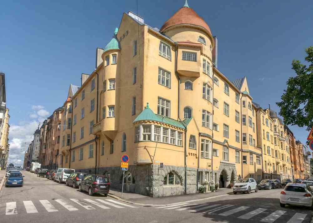 This free self-guided Helsinki walking tour takes you through the affluent Katajanokka district.