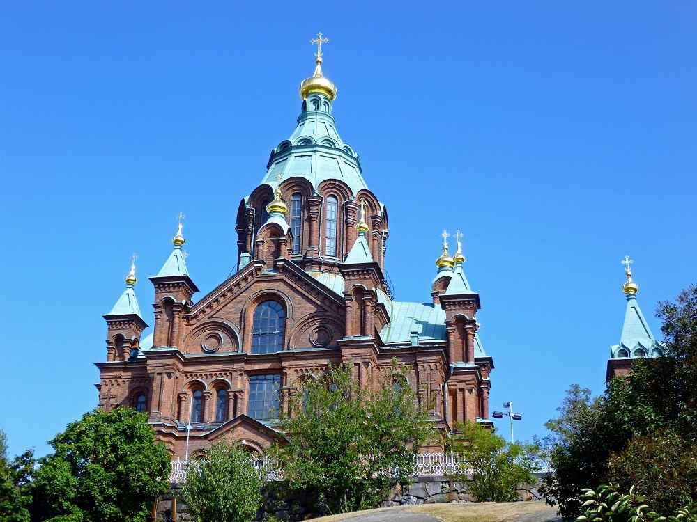 The stunning Uspenski Cathedral is one of the must-see attractions on this free self-guided Helsinki walking tour.