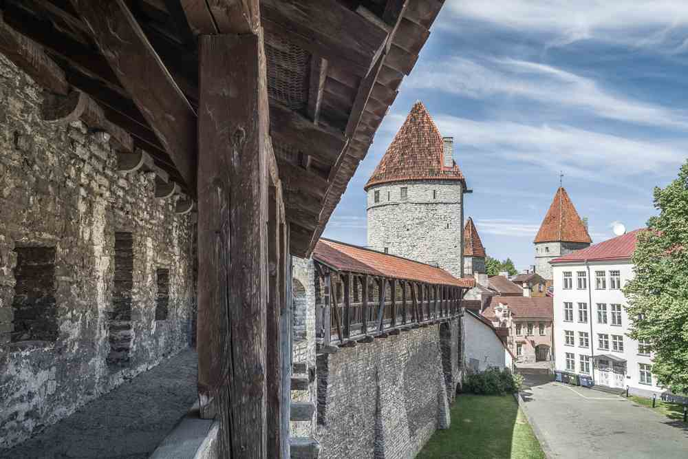 When coming over on a day trip from Helsinki to Tallinn, Hellemann Tower and the Town Wall walkway are one of the top things to see