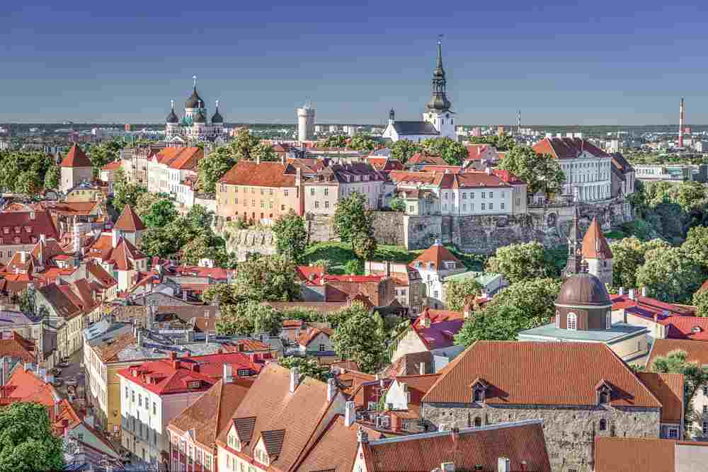 The exceedingly beautiful Toompea Hill is one of the top sightseeing attractions to cover when spending one day in Tallinn