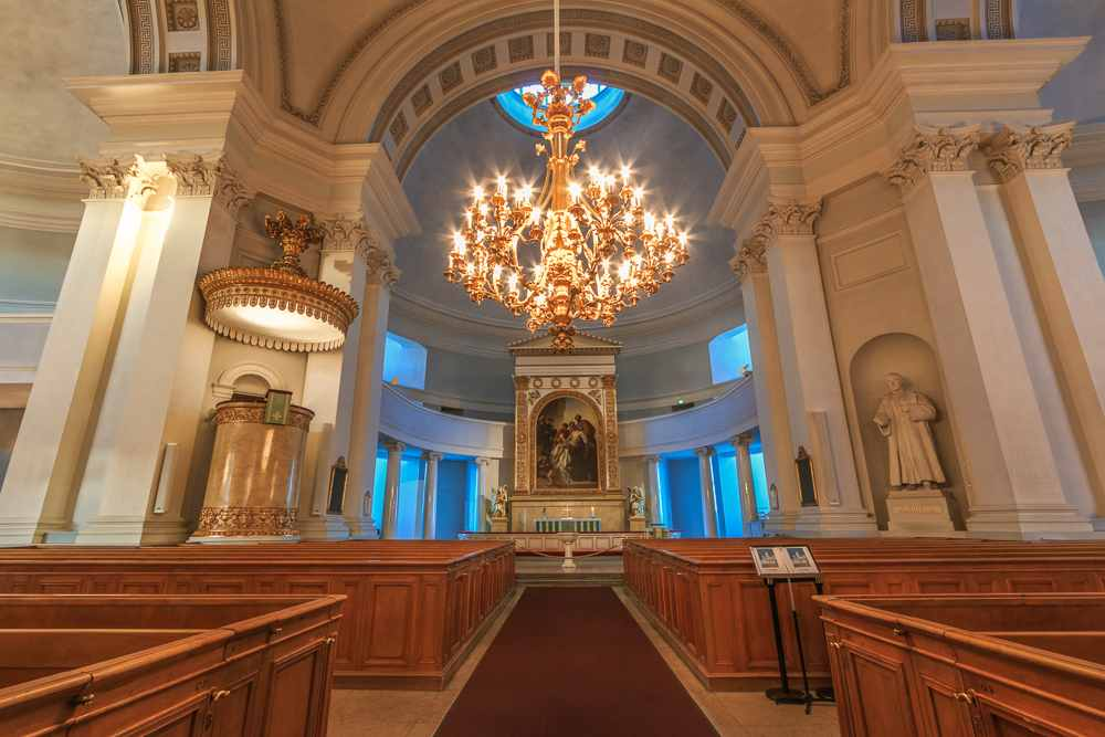 When spending 2 days in Helsinki make sure to visit the interior of the impressive Helsinki Cathedral. C: Xseon/shutterstock.com