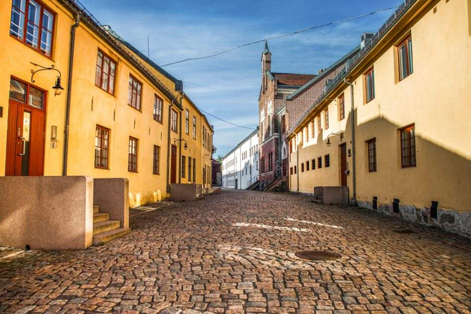 The cobblestone streets of the Old Town are one of the must see attractions when spending a weekend in Oslo.