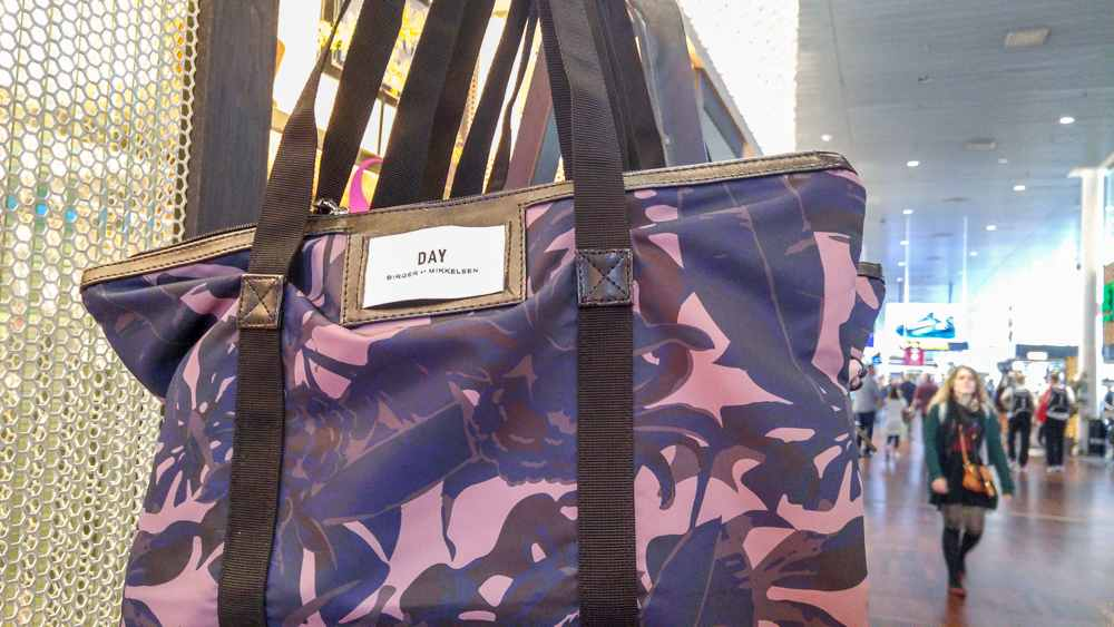 This bag is not only popular among Danes, but also makes the perfect souvenir from Copenhagen.