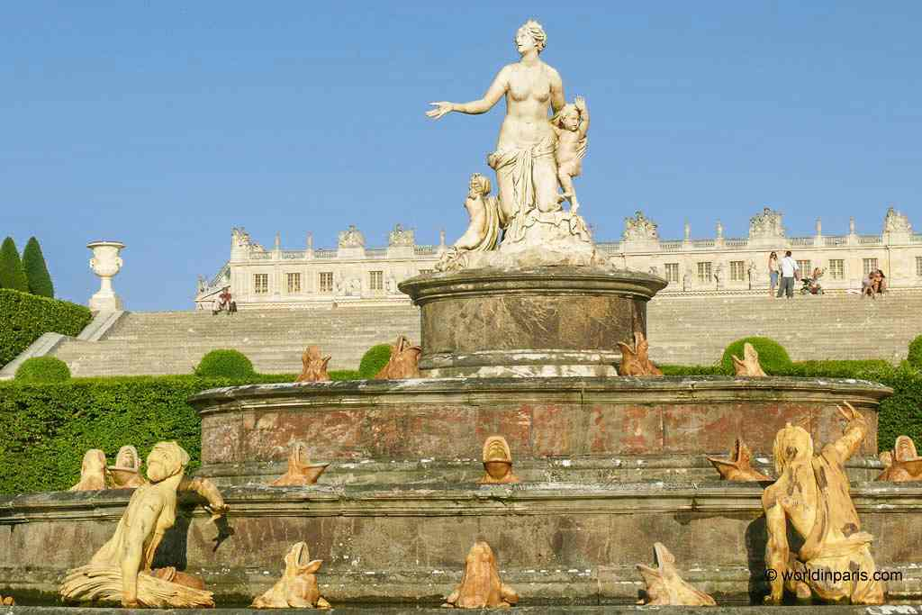 Versailles with its impressive palaces and gardens is without a doubt one of the best places to see Baroque architecture in Europe.