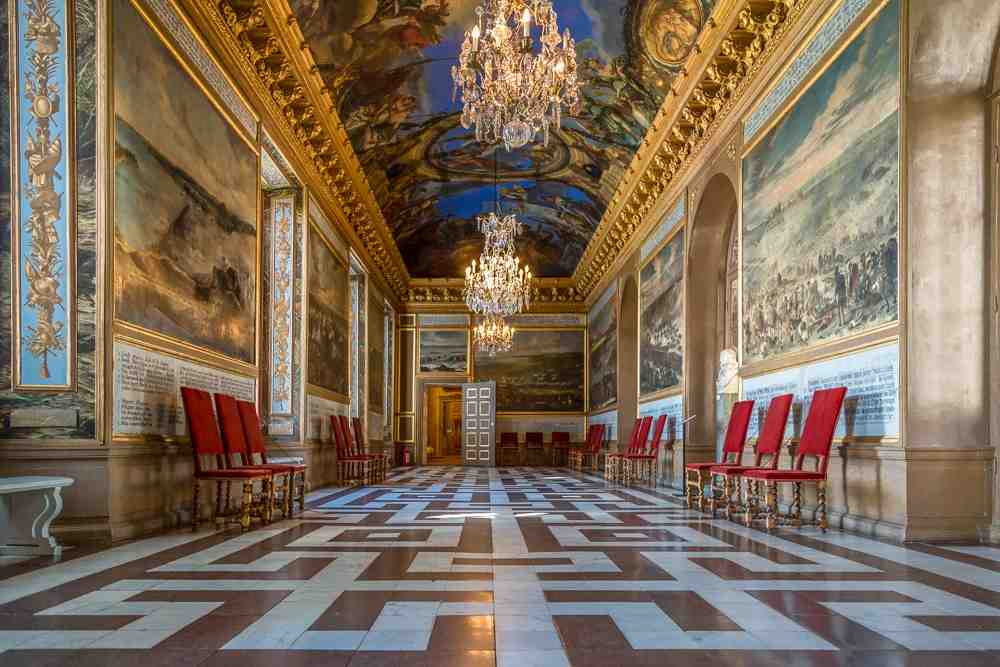 Day Trip from Stockholm: The beautiful Karl XI Gallery is one of the highlights of the Drottningholm Palace. C: Uwe Aranas/shutterstock.com