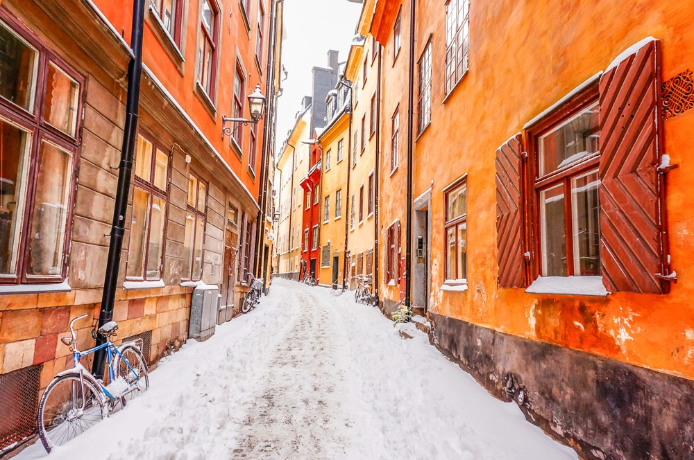 Stockholm sightseeing: The tranquil street of Prästgatan is full of pastel-colored houses and shouldn't be overlooked when spending 3 days in Stockholm.
