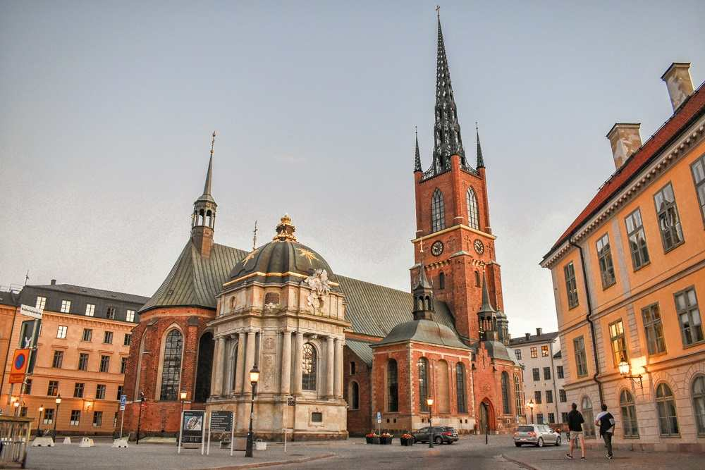 What to see in Stockholm: Exterior of the Riddarholm Church, one of Stockholm's prettiest churches and a must-see attraction when spending three days in Stockholm. C: Cooler8/shutterstock.com
