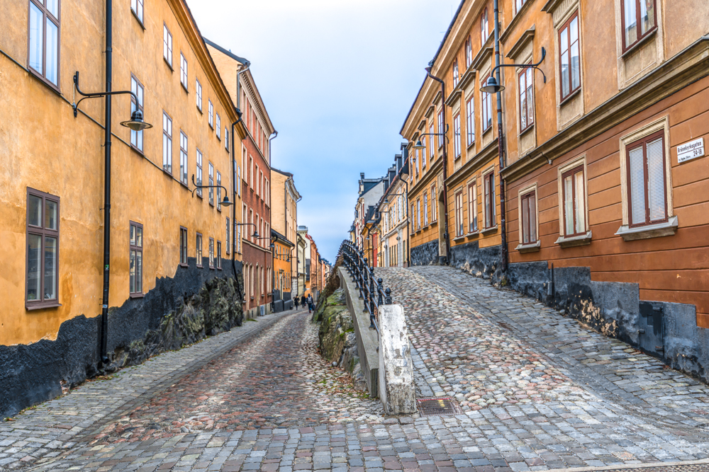 Stockholm Neighborhoods: Södermalm is full of narrow, winding cobblestone streets like Brännkyrkagatan and Fjällgatan that are home to picturesque old wooden houses.