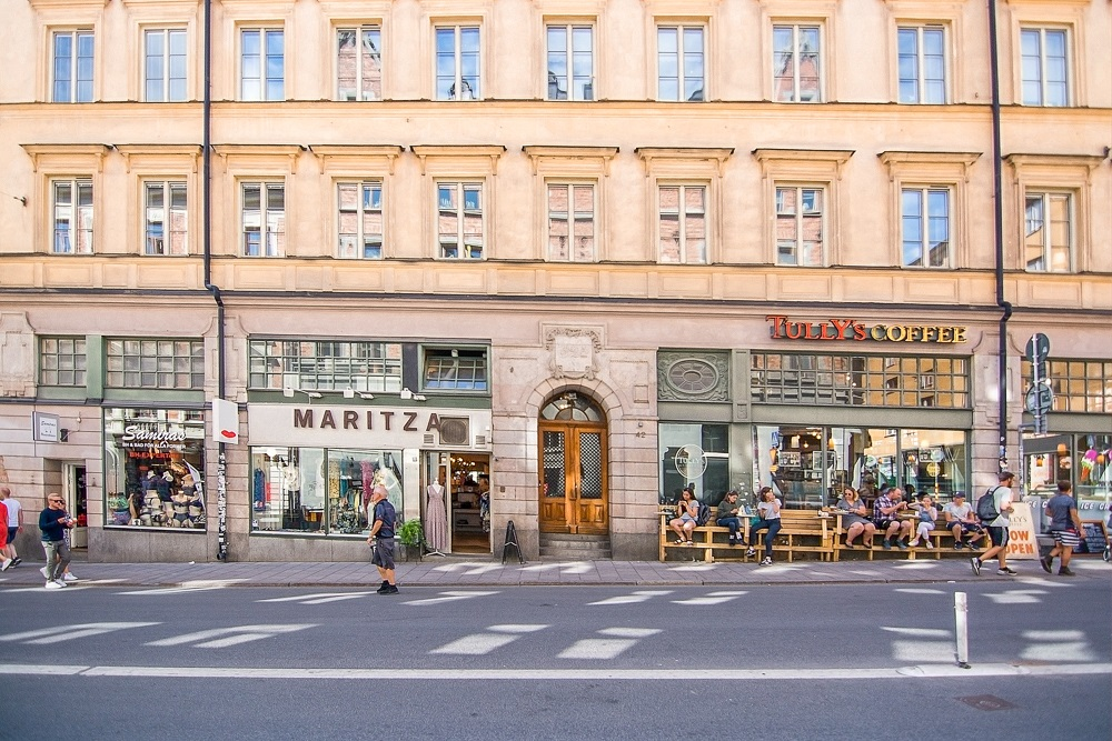 Stockholm Neighborhoods: Södermalm is known as the hipster district of Stockholm with many cafes and shops. C: Artesia Wells/shutterstock.com