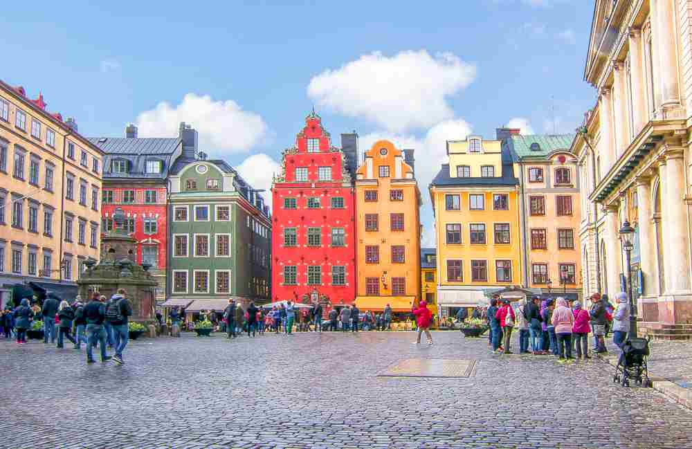 What to see in Stockholm: Stortorget, with its colorful 18th century buildings is the main square in Gamla Stan, and also one of the best places to visit when spending a long weekend in Stockholm.