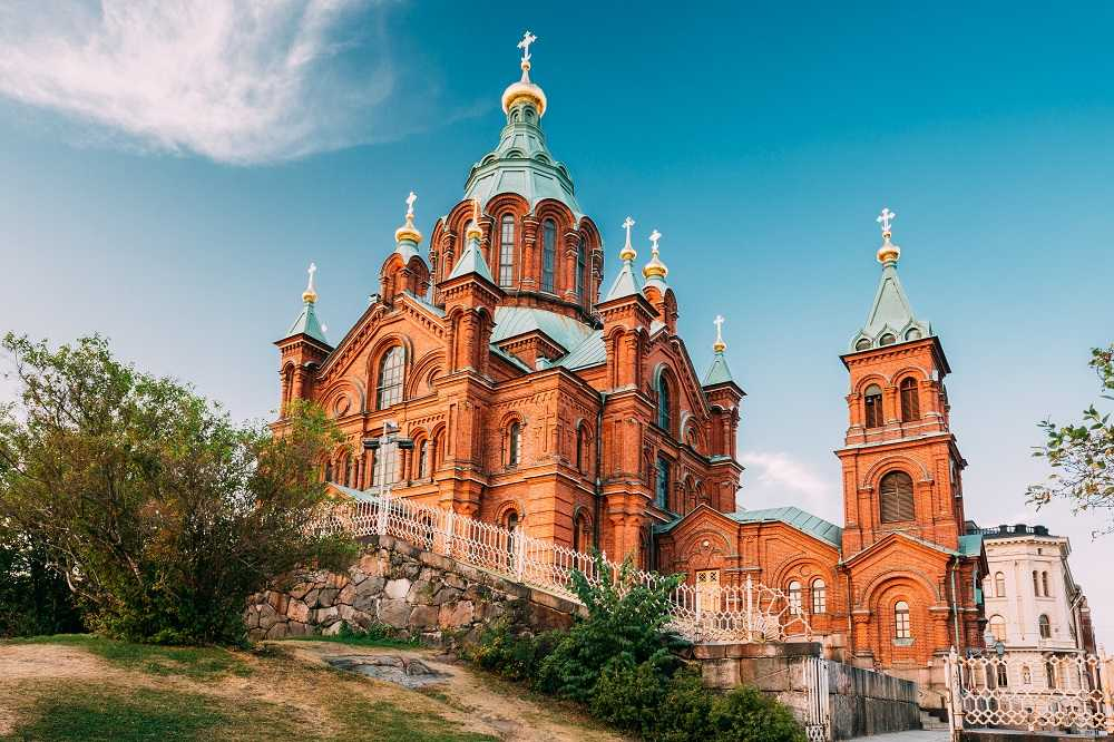 The stunning Uspenski Cathedral is one of the highlights of this free self-guided Helsinki walking tour.