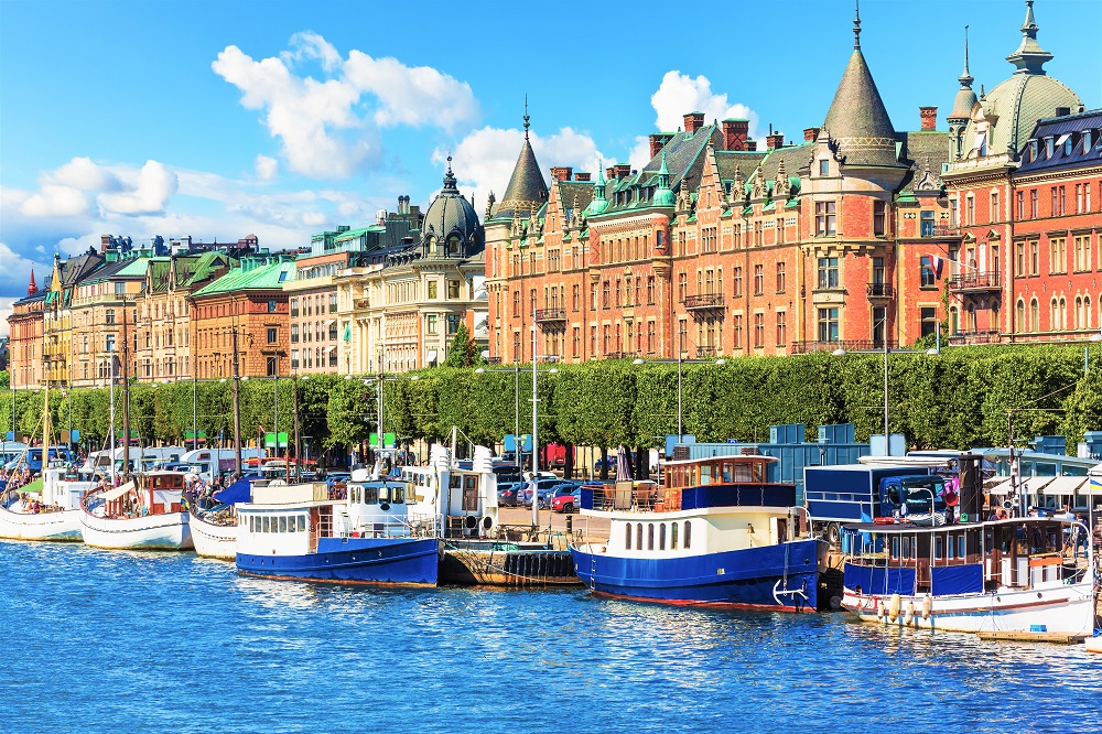 What to see in Stockholm: The scenic tree-lined Strandvägen boulevard is home to several palatial Italian and French Renaissance style buildings with turrets and round towers, making it one of the must-see attractions when spending one day in Stockholm.