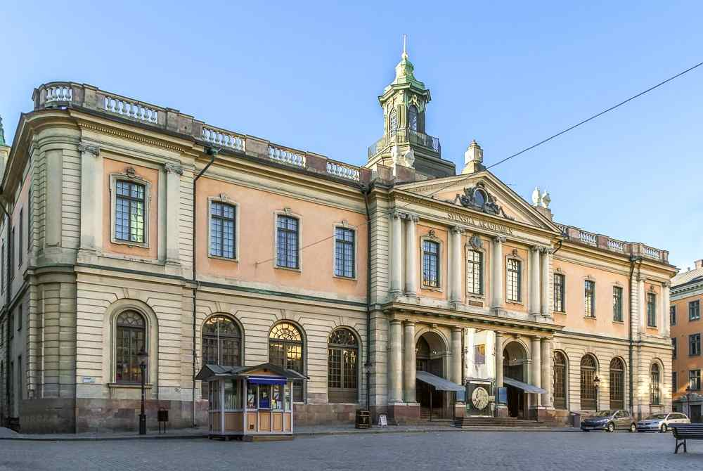 Free Self-Guided Stockholm Walking Tour: Exterior of the former Stock Exchange, which is now home to the Nobel Museum, is one of the main attractions in Gamla Stan.