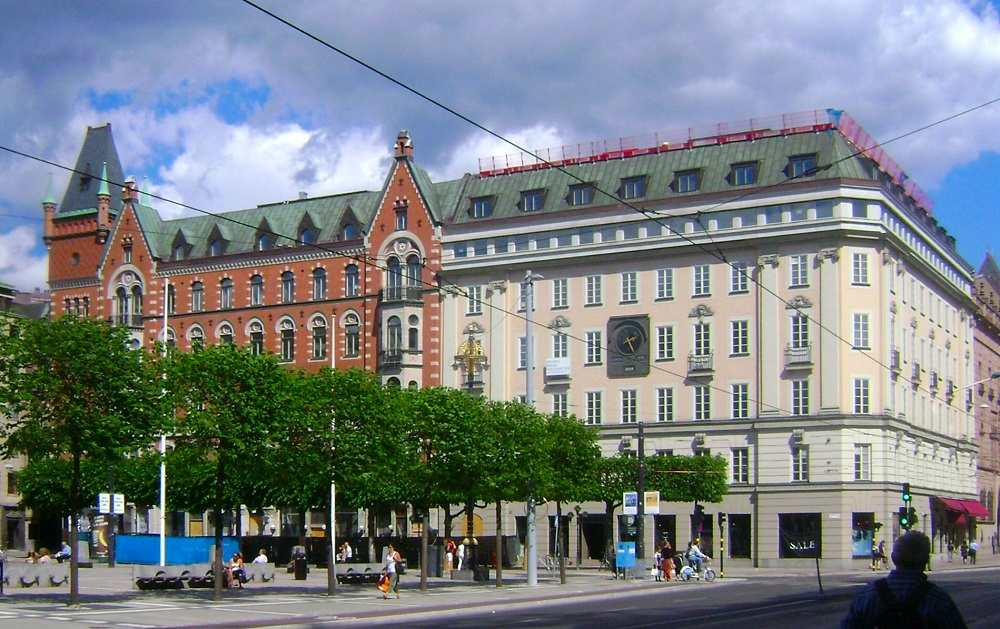 "What to see in Stockholm: The Norrmalmstorg Square is best known as the location of the botched robbery that led to the coinage of the term ""Stockholm Syndrome"" and is one of the highlights of this free self-guided Stockholm walking tour."
