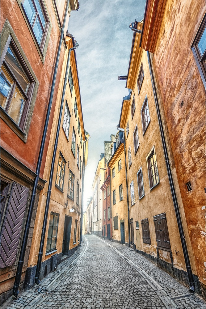 Free Self-Guided Stockholm Walking Tour: The colorful old houses on Prästgatan are of the must-see attractions in Stockholm.