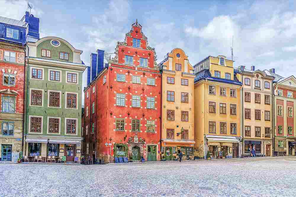 Stockholm sightseeing: The main square of Stortorget in the Old Town is one of the highlights of this free self-guided Stockholm walking tour.