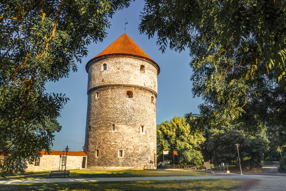 What to do in Tallinn: The 15th century Kiek-in-de-Kök Tower was one of the most impregnable towers in Northern Europe in the 16th century and is one of the most popular landmarks to look out for when on a walking tour of Tallinn.