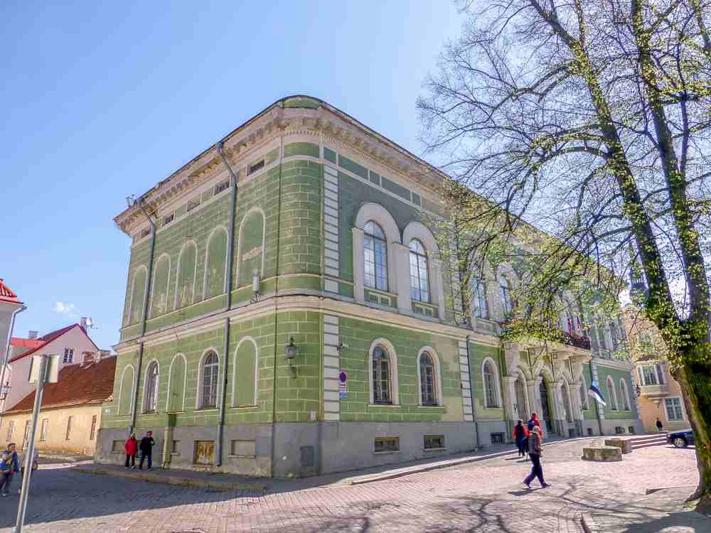 Visit Tallinn: The Estonian Knighthood House is a pretty mid 19th century Neo-Renaissance building that served as the headquarters of the knighthood, a major component of the local aristocracy. Image Credit: giggel [CC BY 3.0 (https://creativecommons.org/licenses/by/3.0)], via Wikimedia Commons.