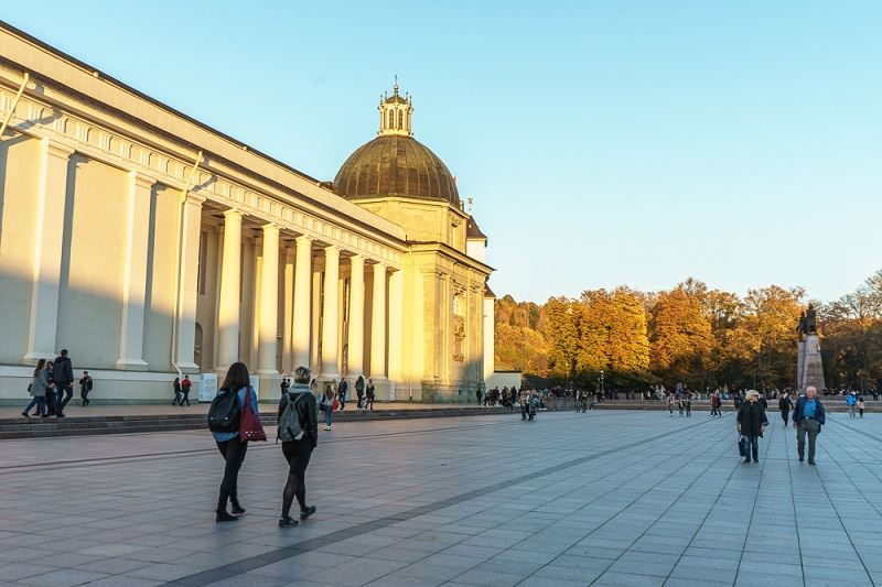 Free Self-Guided Vilnius Walking Tour: The broad Cathedral Square is one of the must-see attractions in Vilnius.