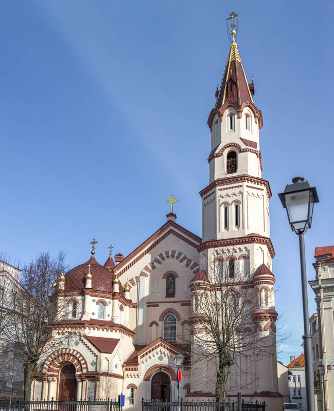 Vilnius Churches: The Orthodox Church of St. Nicholas is known for its bright facade and red ochre trimmings making it one of the best places to see when sightseeing in Vilnius.