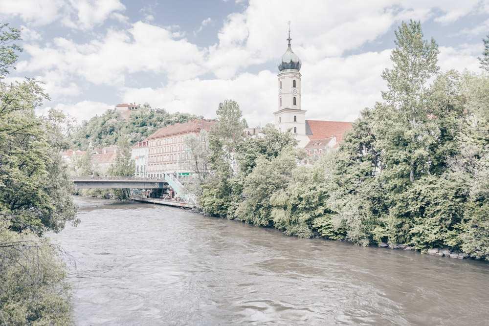 The River Mur splits Graz in half.