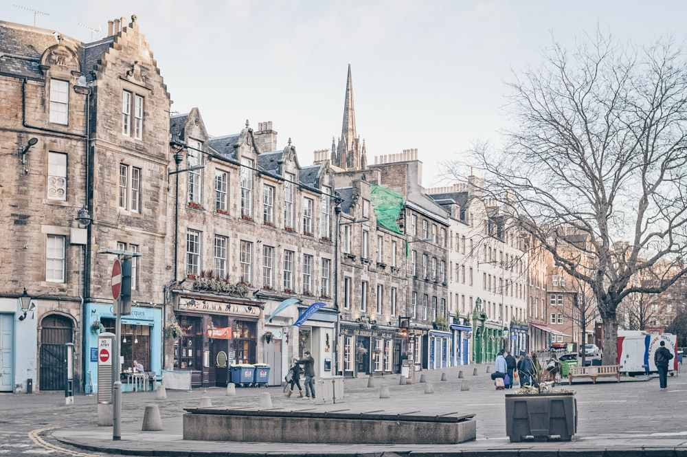 Free Self-Guided Edinburgh walking tour: View of the Grassmarket strip which is home to a bevy of bars and restaurants. C: Walencienne/shutterstock.com