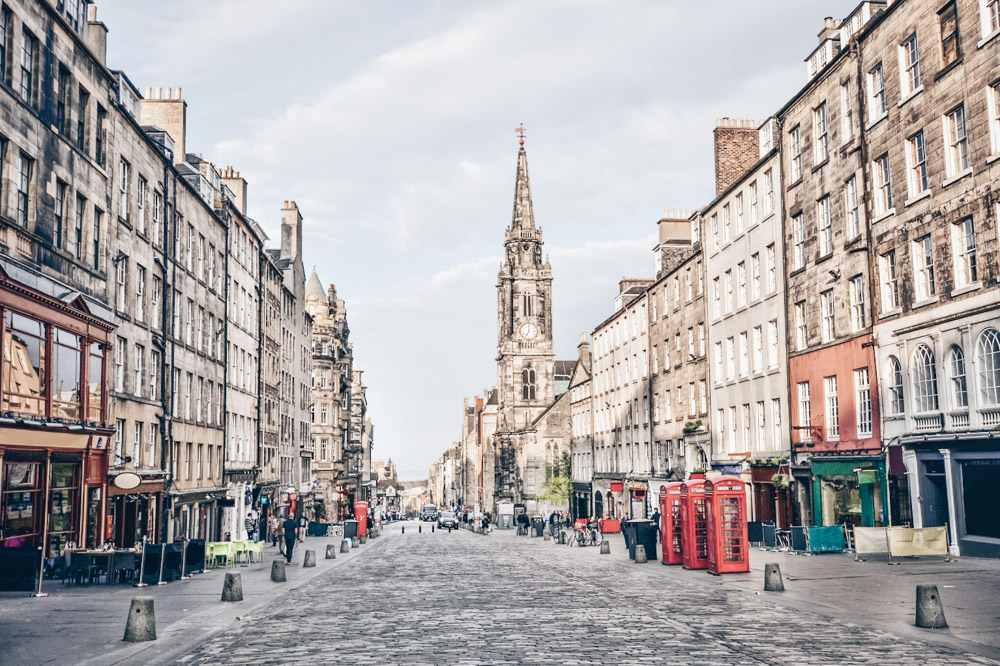 Things to do in Edinburgh: The iconic Royal Mile with its historic old buildings, closely packed tenements and shadowy closes is one of the highlights of an Edinburgh walking tour.
