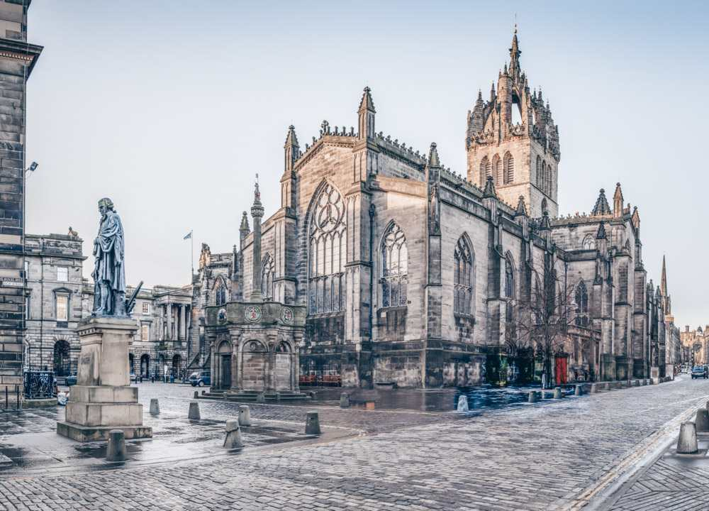 Edinburgh architecture: The Gothic St. Giles' Cathedral is one of the best things to see on an Edinburgh walking tour.